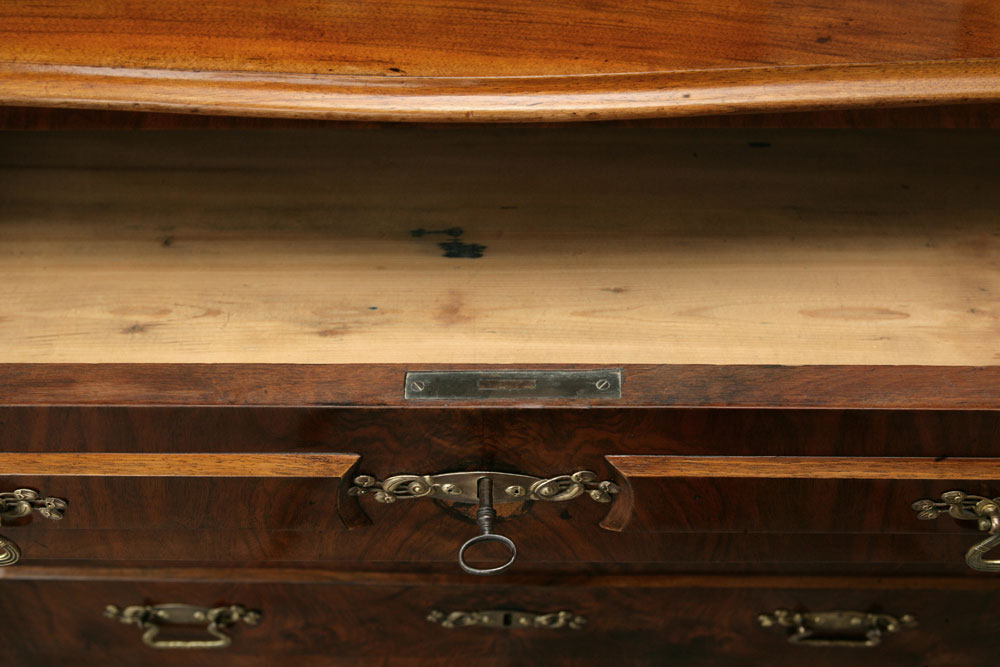 Antiker Möbelbau 01