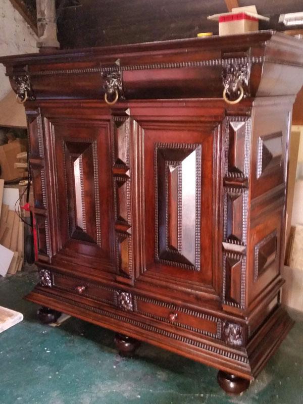 Antiker Möbelbau 06