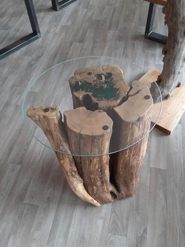 kleiner Baumstammtisch mit Epoxidharz